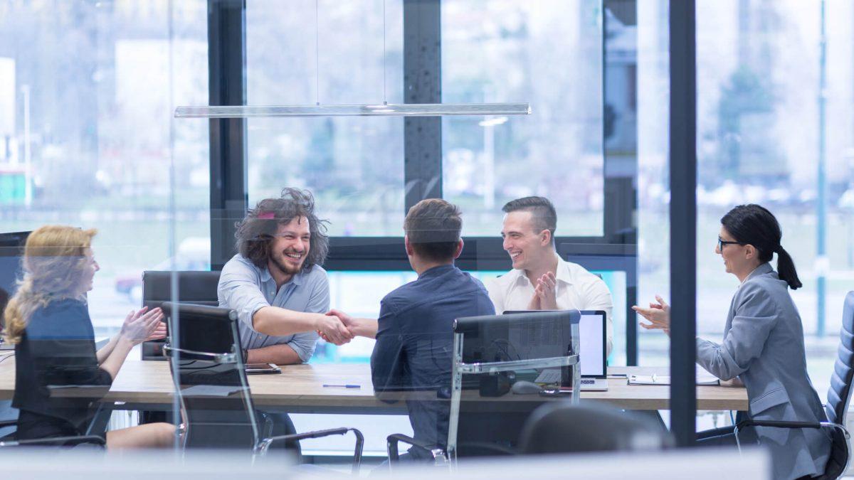 Como anunciar uma vaga de emprego e atrair os melhores candidatos?